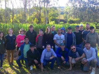 Agricultores participam de curso em Centro de Treinamento da Emater