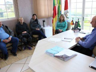 Prefeito recebeu em seu gabinete os integrantes do Conselho Tutelar