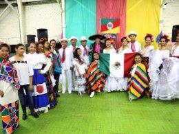4ª Mostra Gaúcha da Escola Estadual Joaquim José da Silva Xavier foi um sucesso com espetáculo do Ballet Folklórico Yohuala Pakilixtli do México
