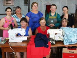 OASE de Linha Kronenthal promoveu curso de corte e costura