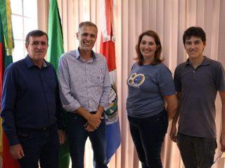 Vice-Prefeita Juli recebeu a visita do candidato a Presidente da FAMURS