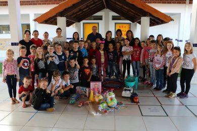 Secretaria de Educação adquiriu diversos brinquedos para as Escolas Municipais