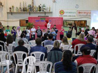 Escola Dona Leopoldina realizou apresentações em homenagem ao Dia das Mães