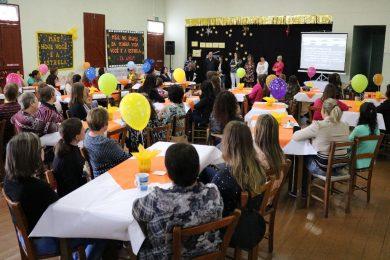 Escola Professora Eida da Silveira e APM realizaram chá para as mães