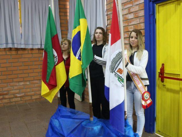 HORA CÍVICA NO ANEXO DO GINÁSIO DE ESPORTES – 7 DE SETEMBRO