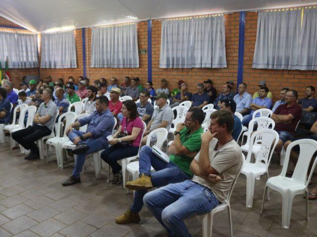 EMATER DE LAGOA DOS TRÊS CANTOS PROMOVE EVENTO PARA AGRICULTORES