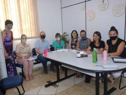 Calendário escolar, planejamento do ano letivo e formação pedagógica foram temas de reunião na SMECTDL