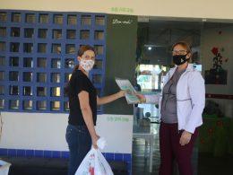 Prefeitura de Lagoa dos Três Cantos distribui kits alimentícios para os alunos do município