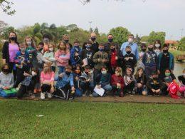 Estudantes de 4º anos da EMEF Professora Eida da Silveira visitaram a Prefeitura Municipal e Câmara de Vereadores em Lagoa dos Três Cantos
